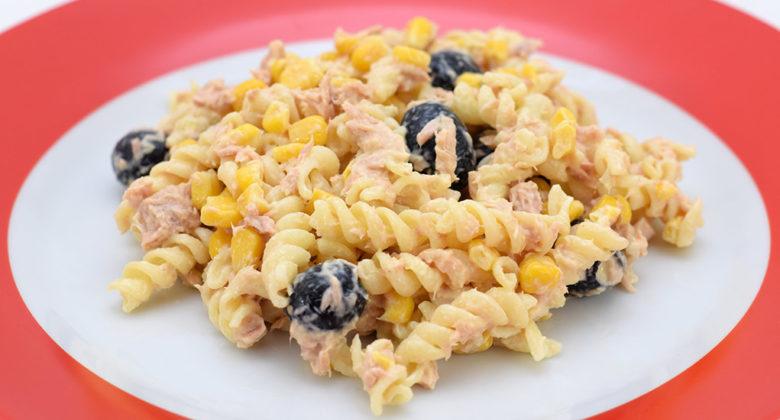 Receita fácil de Fusilli com atum e milho