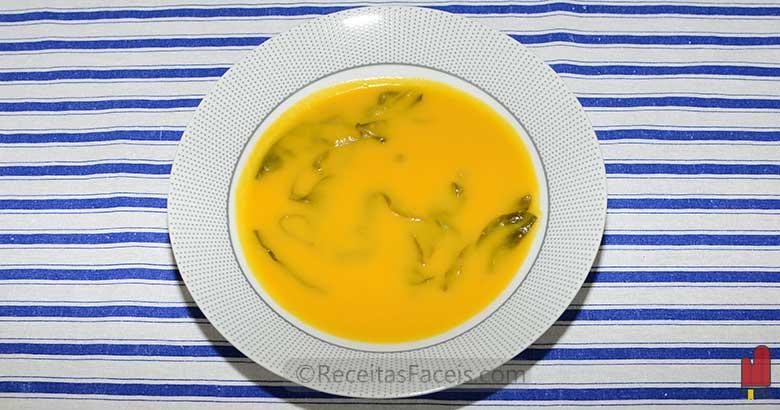 receita fácil de sopa de espinafres